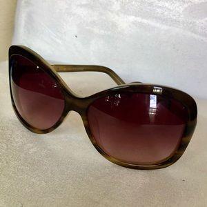 Saks Fifth Avenue on-trend sunglasses
